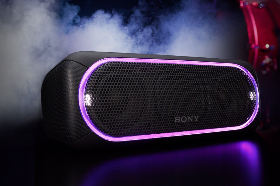 Intensivare ljud med den trådlösa högtalaren SRS®-XB30. Få bättre bas med EXTRA  BASS™ och höj energinivån med blinkande lampor. 5912dc21cf1c3